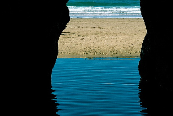 cave-5694366_1920.jpg