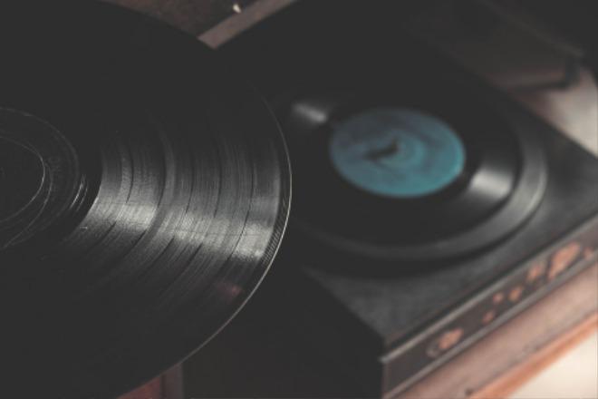 vinyl-1845272_1920.jpg