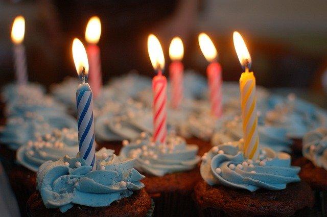 cupcakes-380178_640.jpg