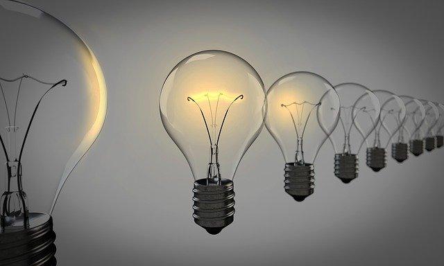 light-bulbs-1875384_640.jpg