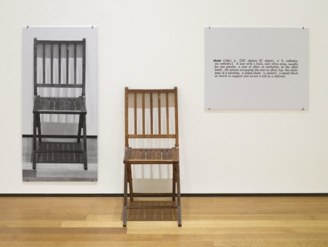 조셉 코수스 하나이면서 셋인 의자.jpg
