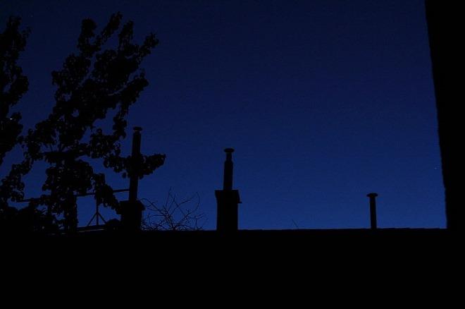 [꾸미기][크기변환]어두운 밤 사진.jpg