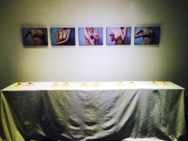 [야한전시] 작가-허란, 가슴, silicone pad, silk thread, 15 x 10 cm, 2014.jpg