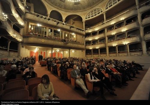 베네치아 말리브란 극장의 관객들.jpg
